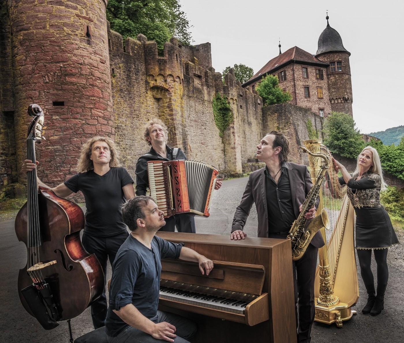 Quadro Nuevo & Friends - Konzertstream aus dem Münchner Lustspielhaus